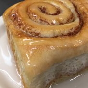 COMPLEMENTS - Cinnamon Roll